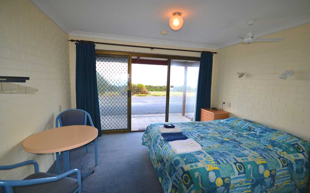 Skenes Creek Lodge Motel & Licensed Restaurant, Great Ocean Road accommodation at Apollo Bay